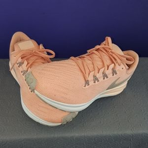 Womans nike zooms